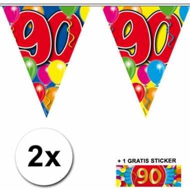 2 gekleurde vlaggenlijnen 90 jaar met sticker