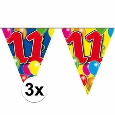 3x gekleurde vlaggenlijn 11 jaar