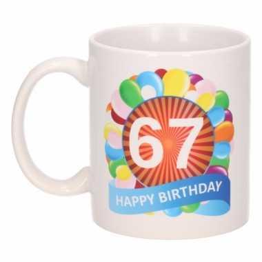 67e verjaardag cadeau beker / mok 300 ml