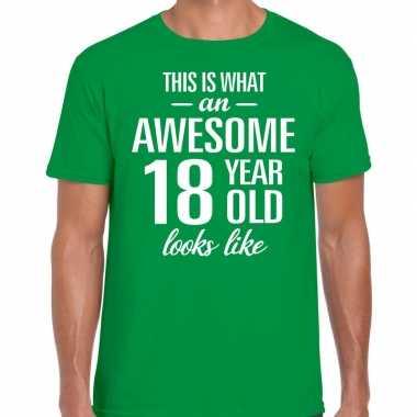 Awesome 18 year / 18 jaar cadeau t-shirt groen heren
