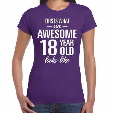 Awesome 18 year / 18 jaar cadeau t-shirt paars dames