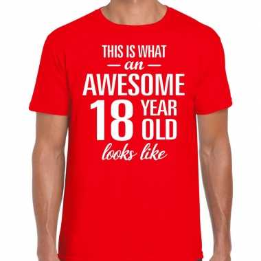 Awesome 18 year / 18 jaar cadeau t-shirt rood heren