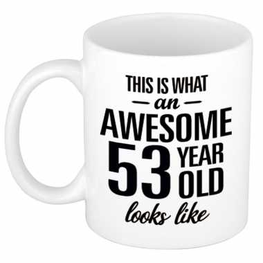 Awesome 53 year cadeau mok / beker 300 ml