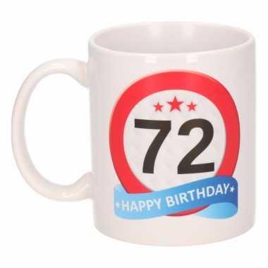 Beker / mok 72 jaar verkeersbord
