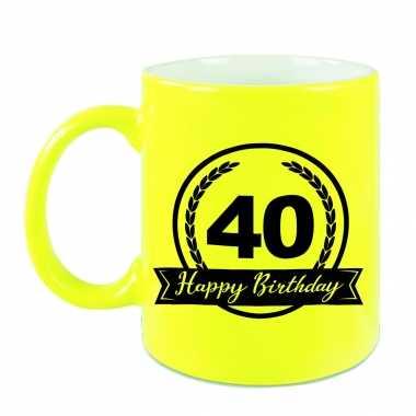 Happy birthday 40 years cadeau mok / beker neon geel met wimpel 330 ml