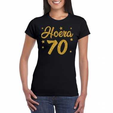 Hoera 70 jaar verjaardag cadeau t-shirt goud glitter op zwart dames