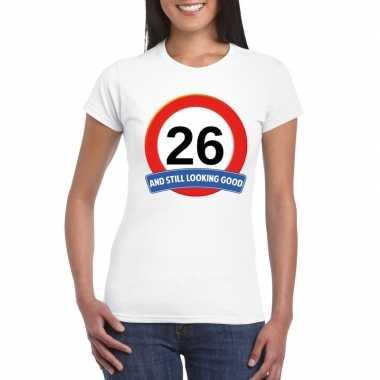 Verkeersbord 26 jaar t-shirt wit dames