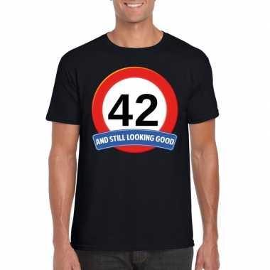 Verkeersbord 42 jaar t-shirt zwart heren