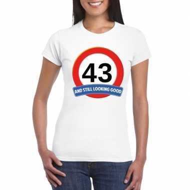 Verkeersbord 43 jaar t-shirt wit dames