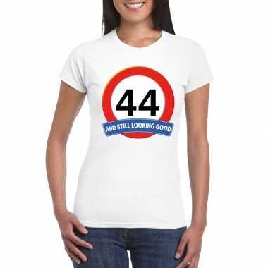 Verkeersbord 44 jaar t-shirt wit dames