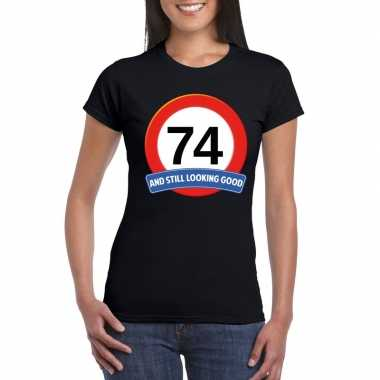 Verkeersbord 74 jaar t-shirt zwart dames
