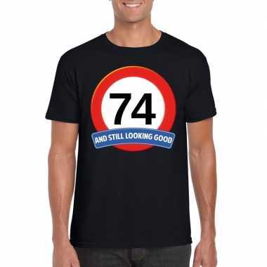 Verkeersbord 74 jaar t-shirt zwart heren