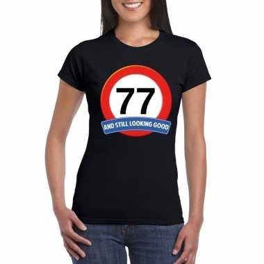 Verkeersbord 77 jaar t-shirt zwart dames
