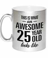 Awesome 25 year cadeau mok beker zilver 330 ml