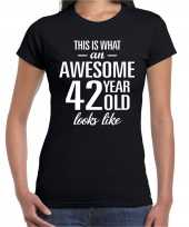 Awesome 42 year 42 jaar cadeau t-shirt zwart dames