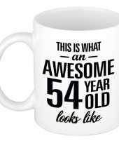 Awesome 54 year cadeau mok beker 300 ml