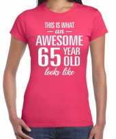 Awesome 65 year 65 jaar cadeau t-shirt roze dames