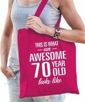 Awesome 70 year geweldig 70 jaar cadeau tas roze voor dames