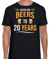 Cheers and beers 20 jaar verjaardag cadeau t-shirt zwart voor heren