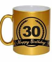 Happy birthday 30 years gouden cadeau mok beker met wimpel 330 ml