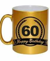 Happy birthday 60 years gouden cadeau mok beker met wimpel 330 ml