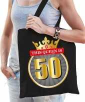 This queen is 50 verjaardag cadeau tas zwart voor dames sarah 50 jaar