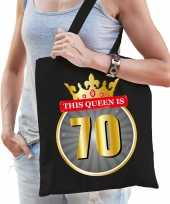 This queen is 70 verjaardag cadeau tas zwart voor dames